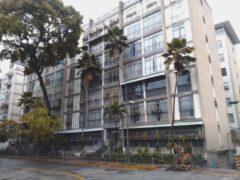 Apartamento en Venta en El Bosque, Caracas