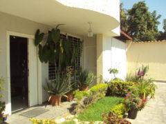 Bello Townhouse en La Floresta, Maracay
