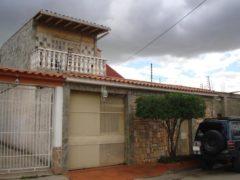 Venta de Casa en Urb. Los Overos, Turmero.