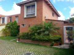 TOWN HOUSE EN VENTA LA LAGUNITA, CARACAS