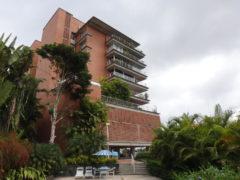 Apartamento tipo PH en Venta Lomas de La Lagunita, Caracas