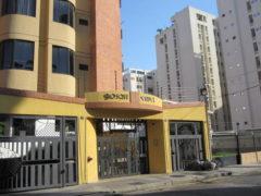 Venta de Apartamento en El Bosque, Maracay