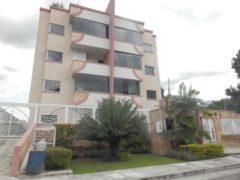 Venta de Apartamento en El Limón, Maracay