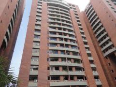 Apartamento en Venta Colinas de Los Chaguaramos, Caracas