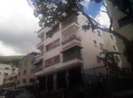 Apartamento remodelado en Venta San Bernardino, Caracas