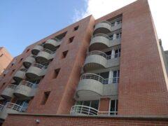 Apartamento en Venta en Valle Alto, Caracas