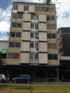 Oportunidad Venta Edificio en Av Bolivar Norte, Valencia