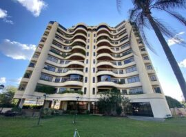 Apartamento en Venta en Country Club, Caracas