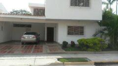 En Alquiler Casa ubicada en la Urb. Trigal Norte, Valencia