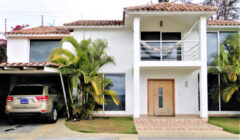 Bella casa venta en Caicaguana, Caracas