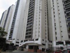 Apartamento en Venta en El Cigarral, Caracas