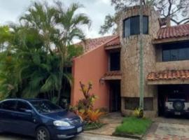 En Alquiler bella casa en Urb. Colinas de Guataparo, Valencia