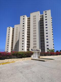 Apartamento en Venta Playa Grande, La Guaira